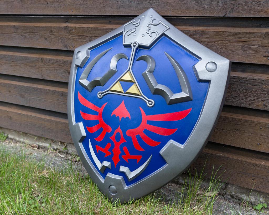 hylian shield by littlewikis on deviantart