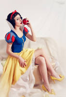 Forbidden fruit by BirdSophieBlack
