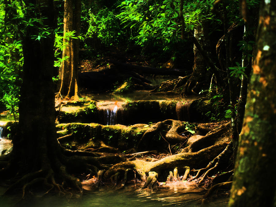 Erawan waterfalls by zinlozetydsbesteding