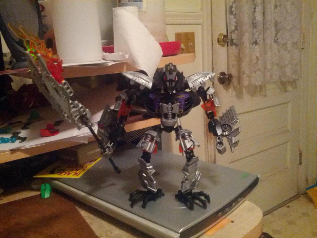 BIONICLE 2015 MOC - Teridax, Master of Shadows by Dragonus-Prime