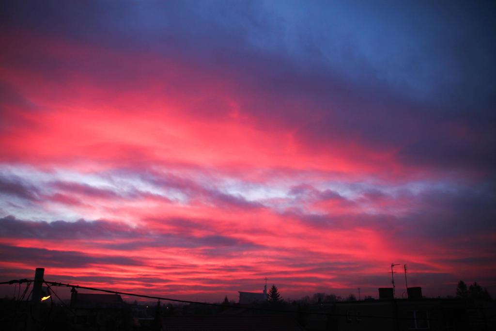 Do you like the colour of the sky? by shetanka