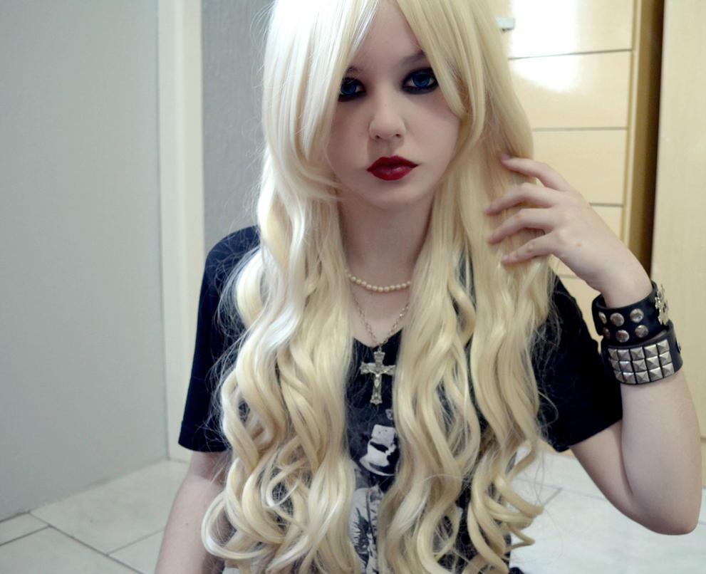Taylor Momsen Hair 2014