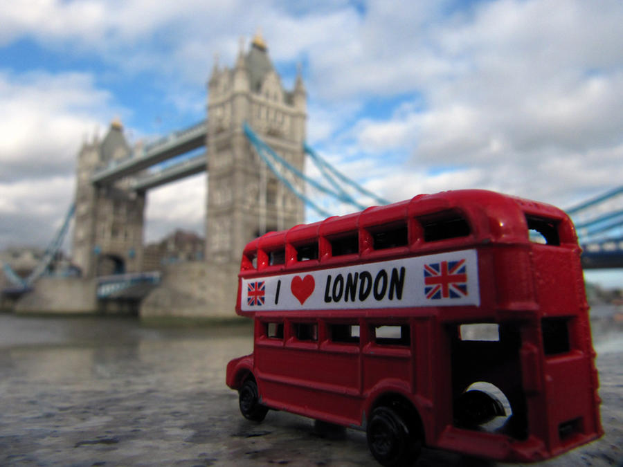 London 2011 - little red bus 7 by evionn