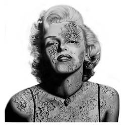 Marilyn Laced