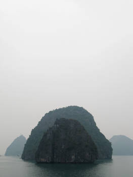 Ha Long Bay: Scalene Angles