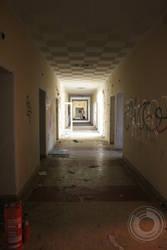 Creepy hallway by EnyRemeusRemy