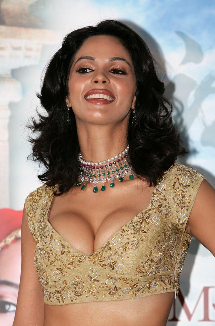 mallika sherawat hot picbollywoodesigns on deviantart