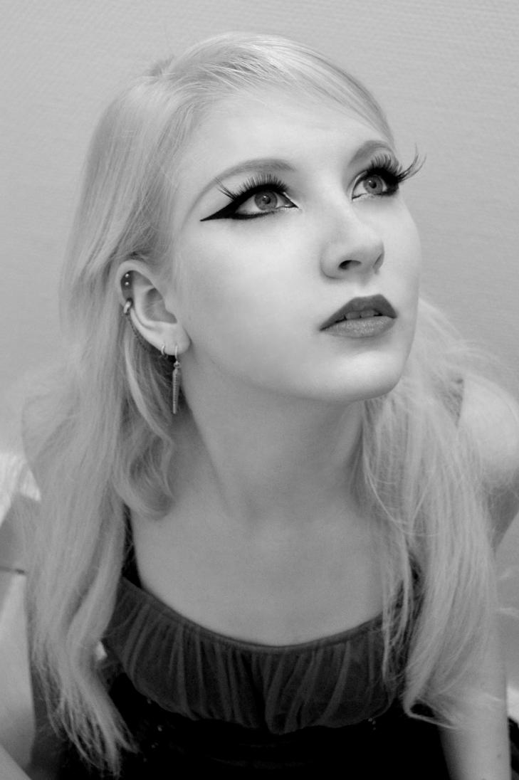 Black and White by MariaAmanda