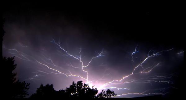 Lightning 6-4-08 Finale by FramedByNature