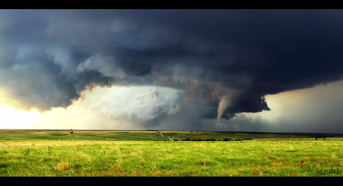 Tornado In The Plains By Framedbynature On Deviantart