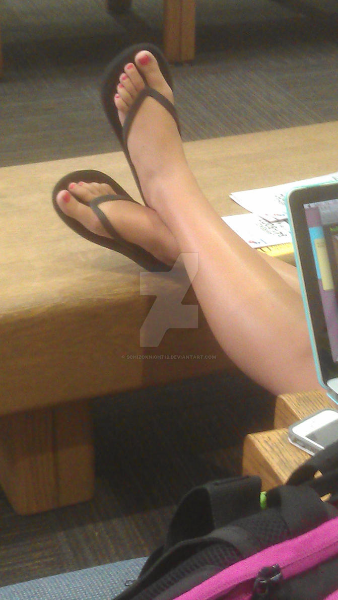 Mandy's feet by schizoknight12