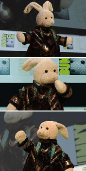 I'm Loki at Bunnycon! now KNEEL!! :p