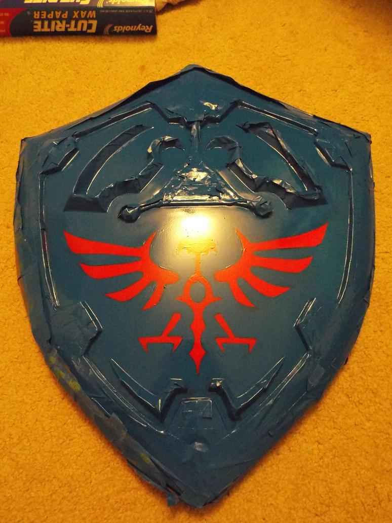 Hylian Shield glossed by finaformsora