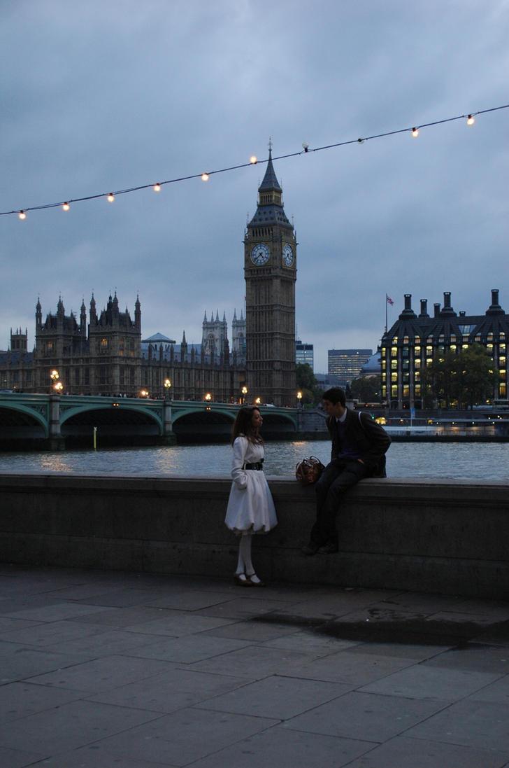 Love-upon-Thames by ArmandaHaller