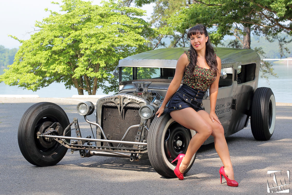 Girls and Cars6
