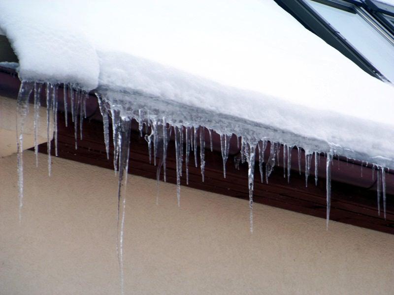 ice stalactites by xxtasiaxx