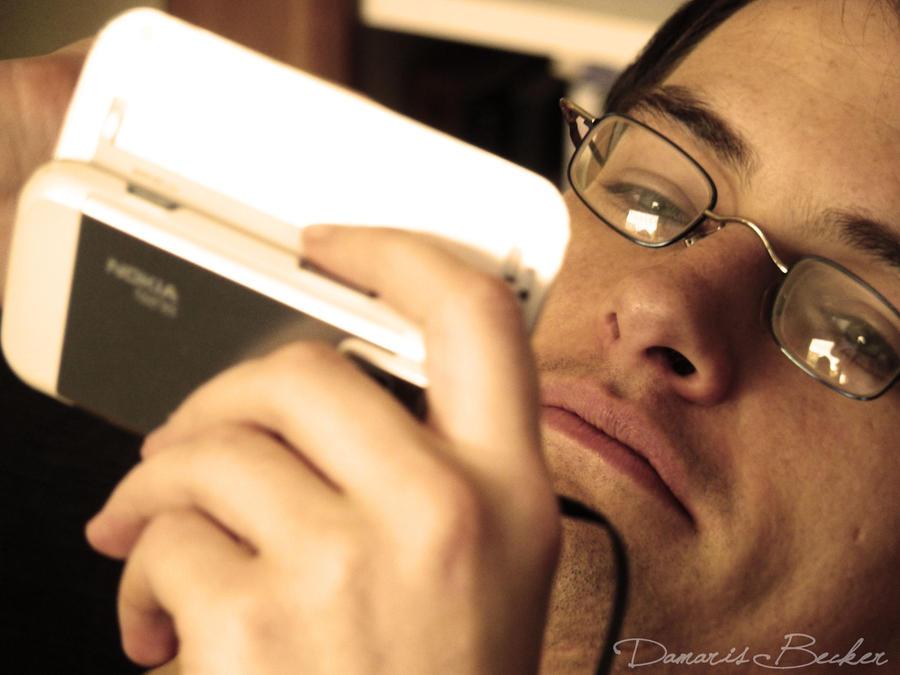 I love my smartphone by *Nhadala | Deviantart.com »