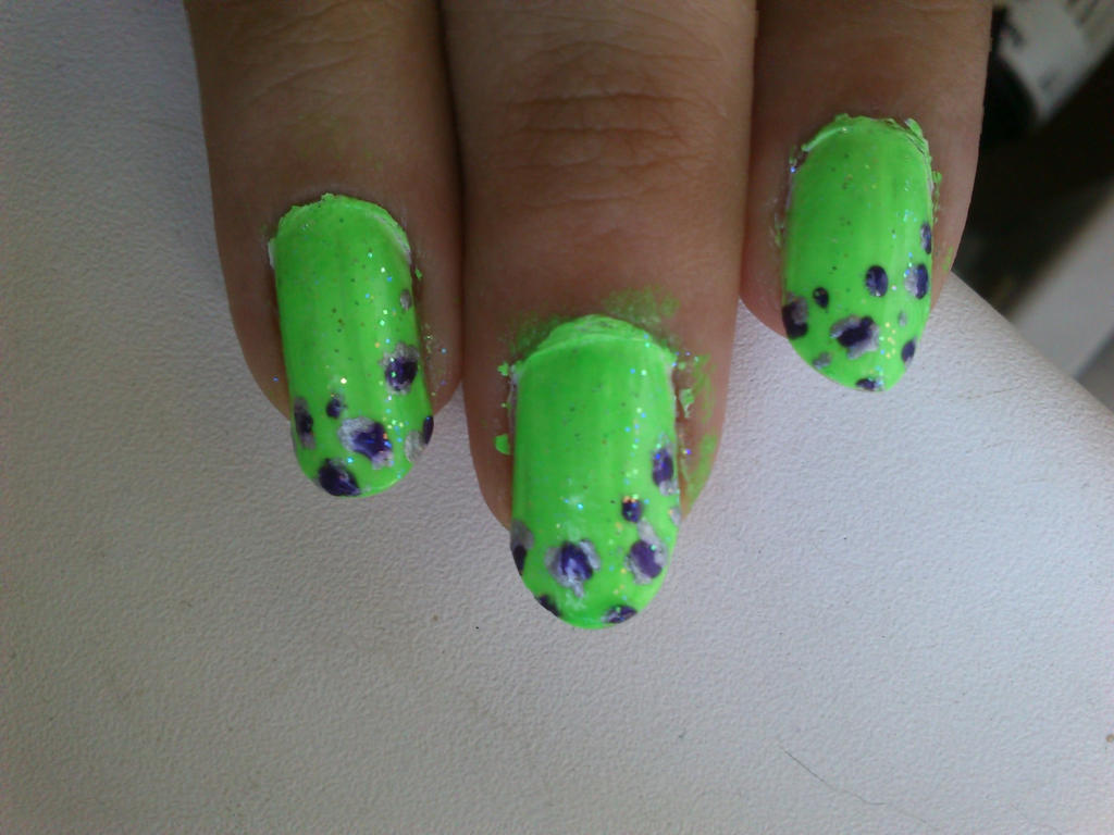 Bright green leopard print ^^ by Anonymous---Lucifer