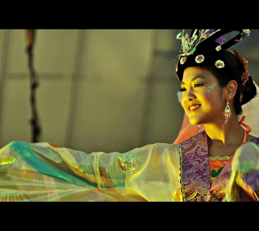 Chinese Dancer by pocituink