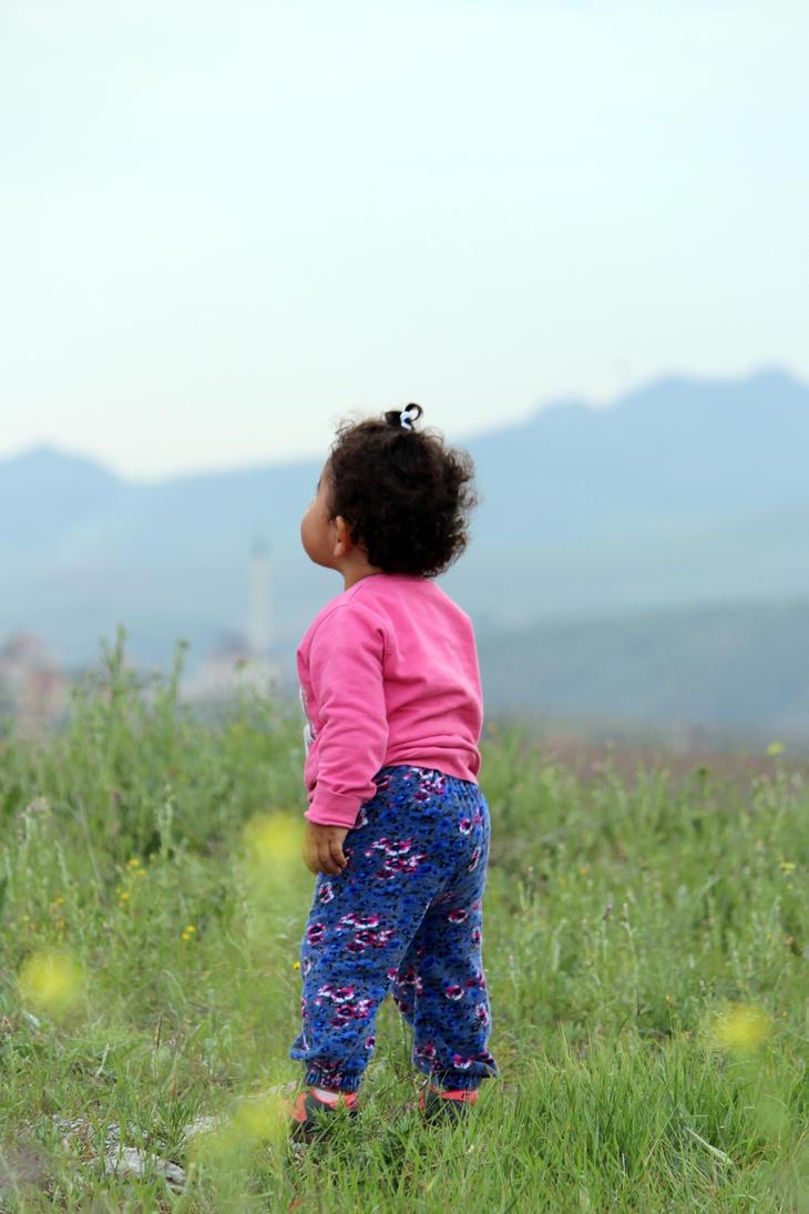 Mor Fistanli (Baby With Purple Pants) by fibulamim