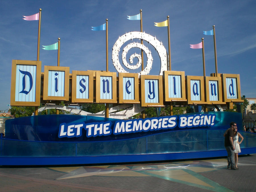 DisneyLand Sign by arielfanatic on DeviantArt