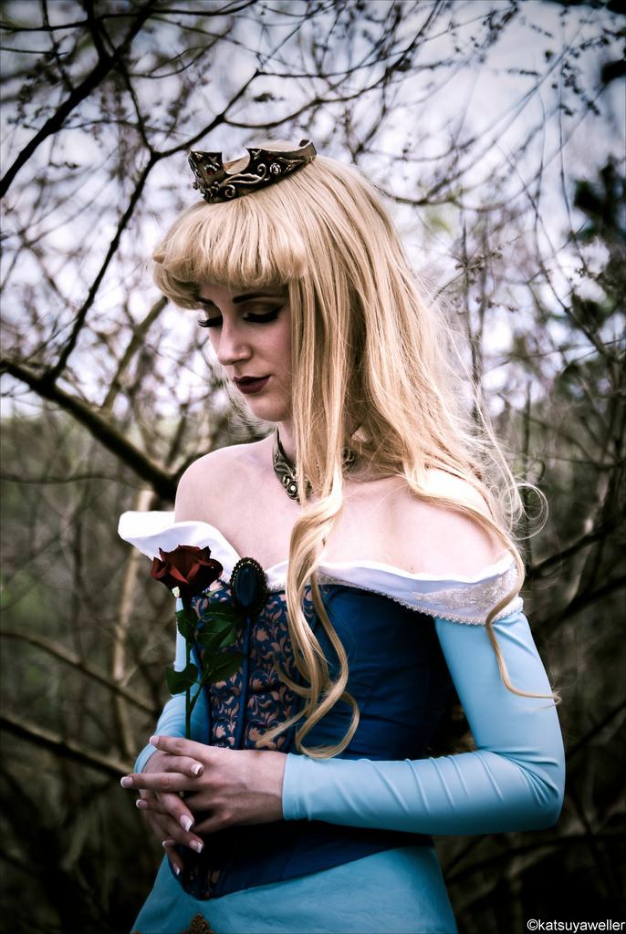 Princess Aurora I by Dessi-Desu