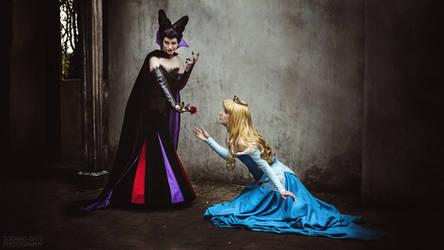 Aurora and Maleficent by Dessi-Desu