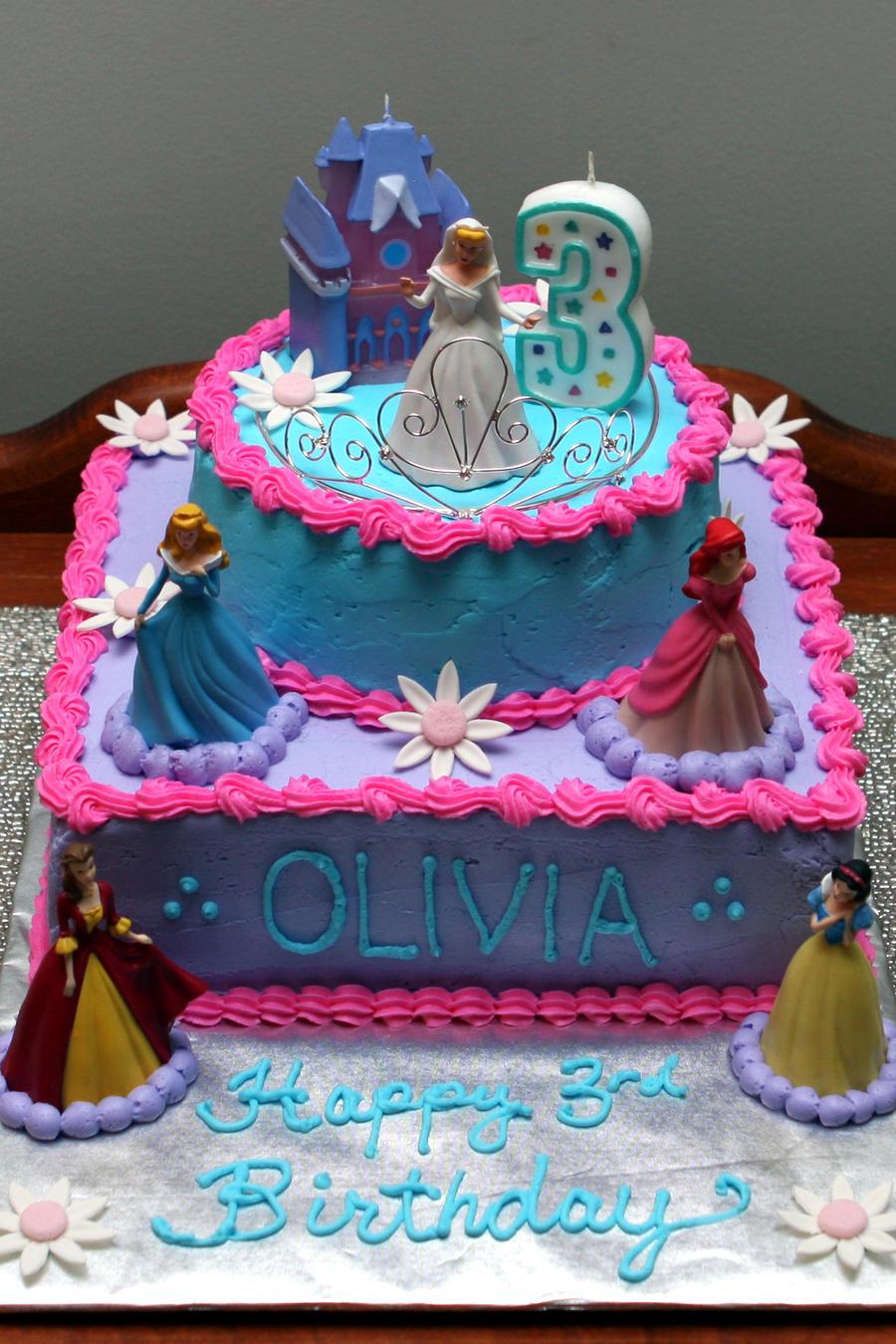 cake with tiara