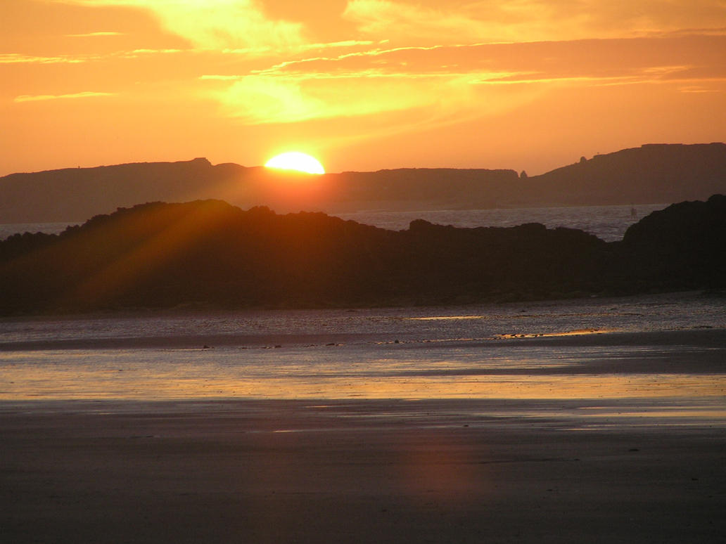 Sunset in St.Malo by Samich