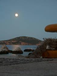 Moon by Mosabsolum