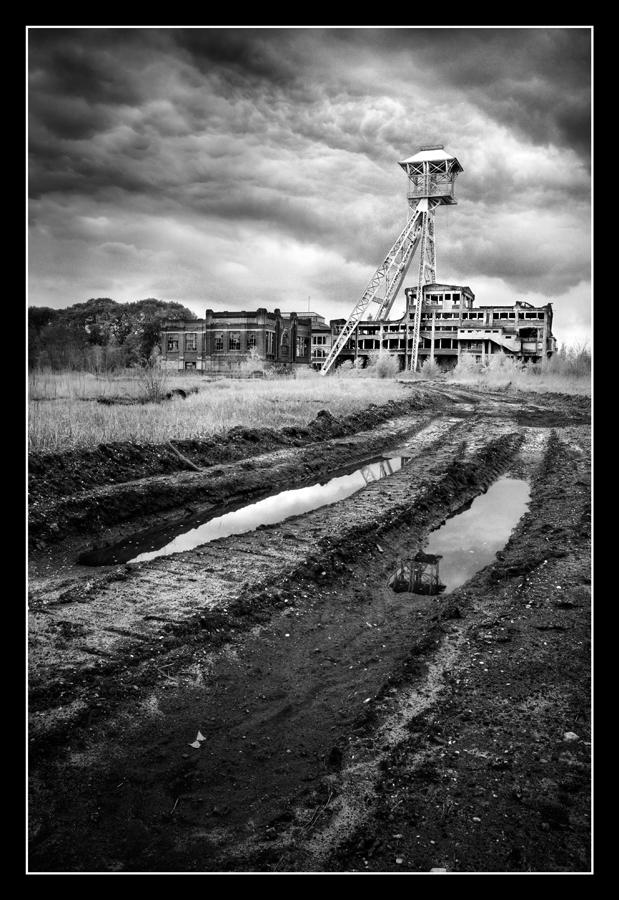 Coalmine VI by Kjiram