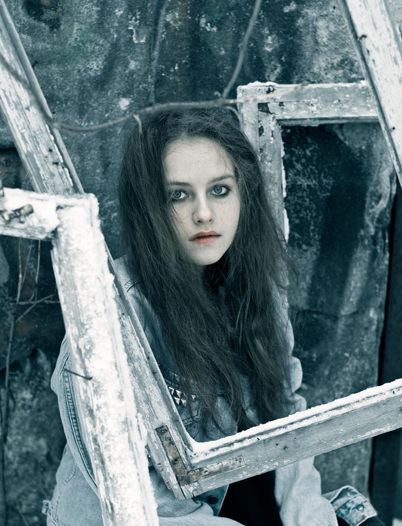 Karolina 666 by moonshinerose