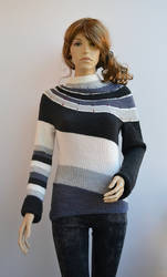 sweater in shades of gray by dosiak