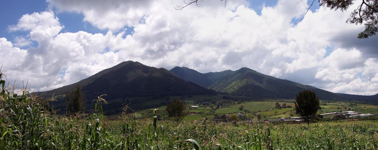 Cerro del Tlacuache by tamalesyatole