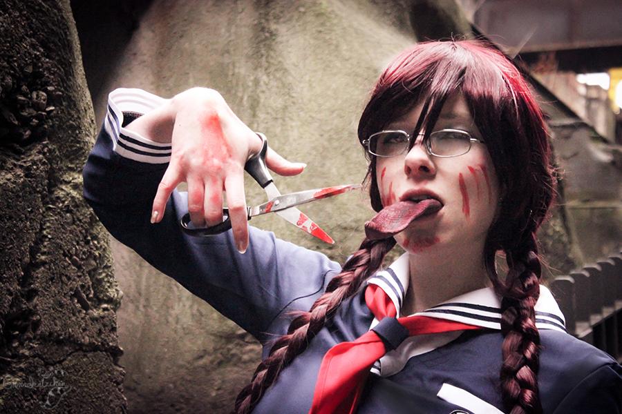 bloody scissor by Saki-Kisu