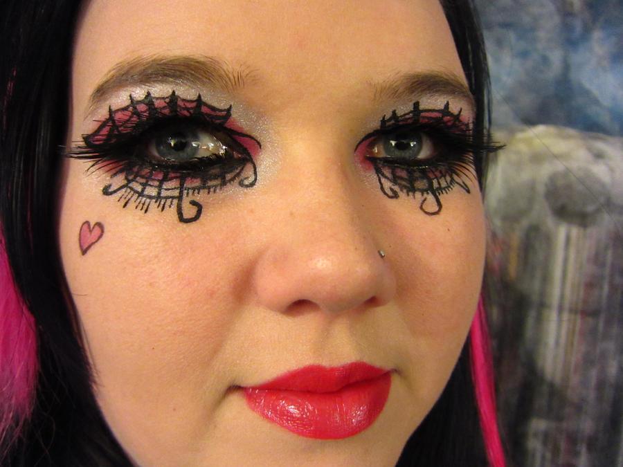 Draculaura makeup