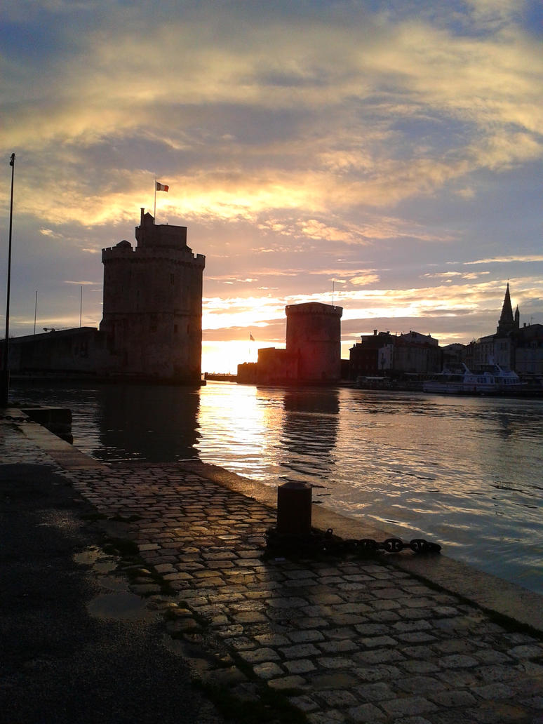 La Rochelle - Towers on the port by Alphagoth