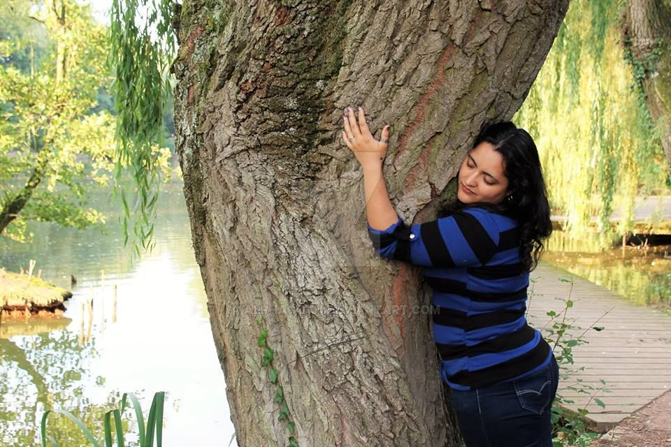 Tree Hug by Alphagoth
