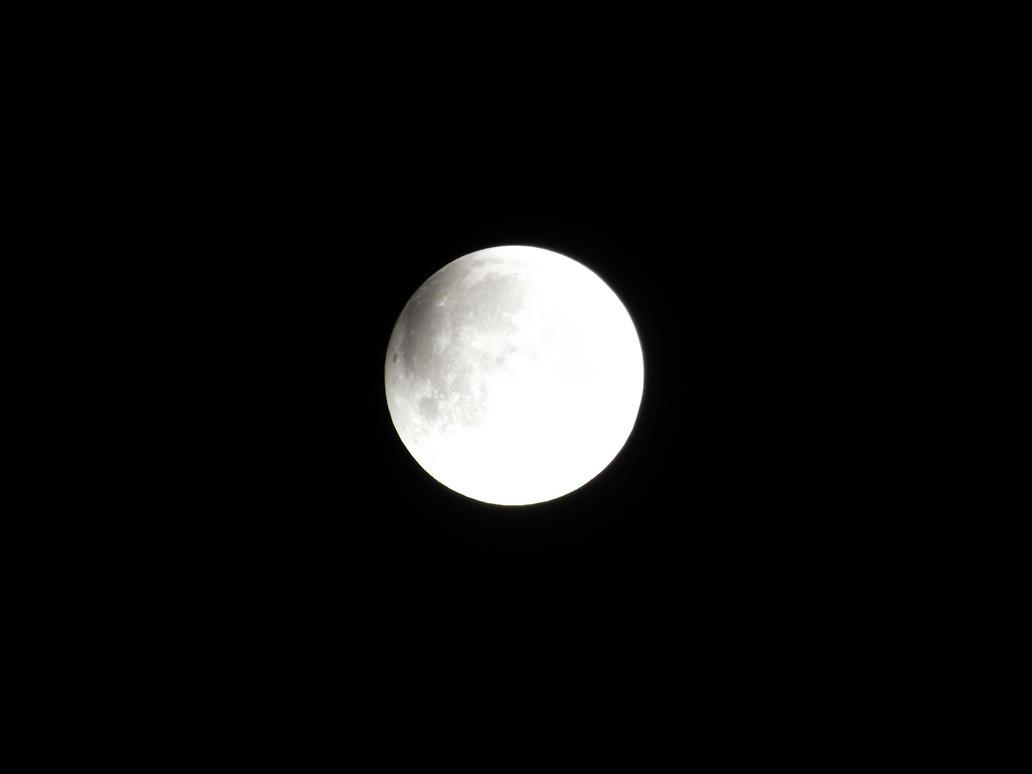 twilight moon by Alphagoth