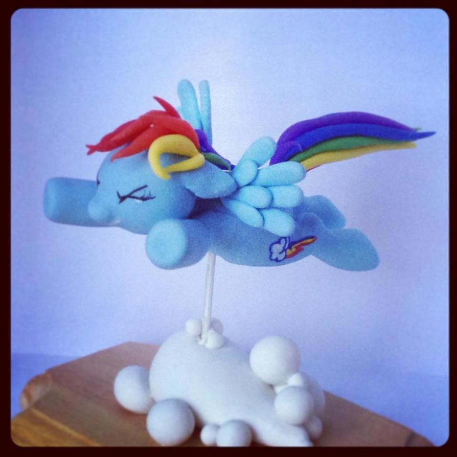 Rainbow Dash Sculpture by Mioumioune