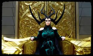 Hela on throne Thor Ragnarok Cosplay at Comic Con