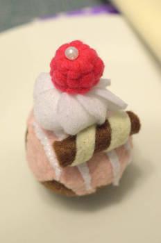 Felt respberry cupcake