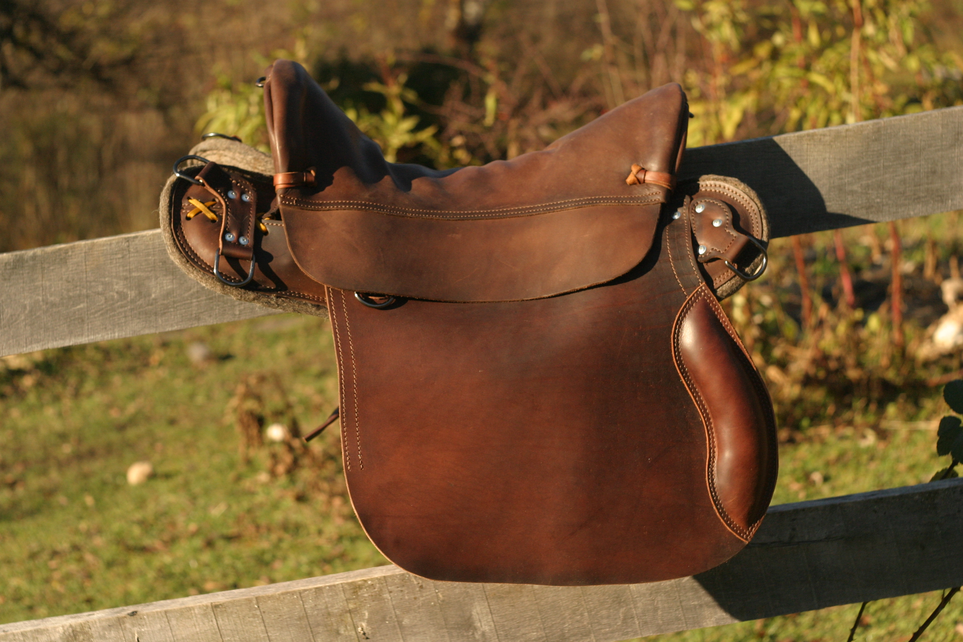 dating saddles Saddles all saddles listed here are compensated exactly like the factory saddle place your cursor over the image to get more information: bone: vintage bone.