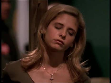 Buffy Summers (Sarah Michelle Gellar) Unconscious