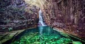 Dragon's pearl waterfall by caiusaugustus