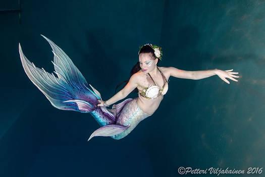 Mermaid Riia underwater