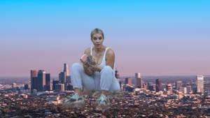 Giantess Kim Kardashian In LA by GangstaLilith2