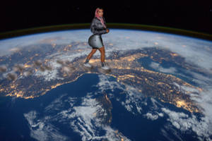 Giantess Kim Kardashian walking on earth by GangstaLilith2