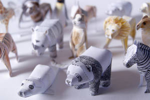Tiny Paper Zoo by kamibox
