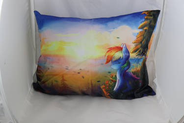 Rainbow Dash US Pillow Size by Art-N-Prints